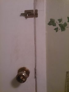 door closed showing latch and bolt as quick fix