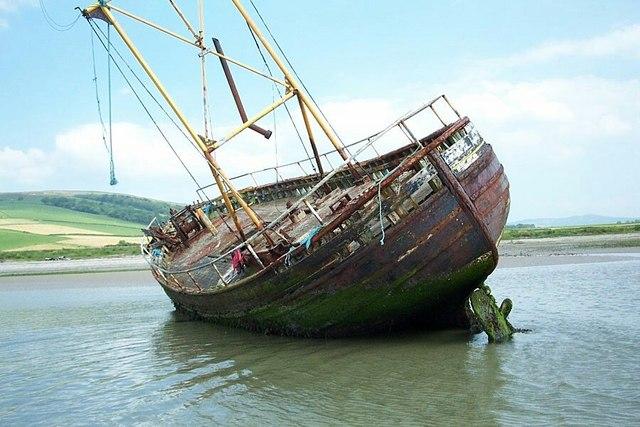 Shipwreck at Ettrick Bay